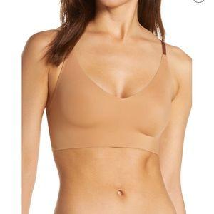 TRUE Body Triangle Convertible Strap Brale…